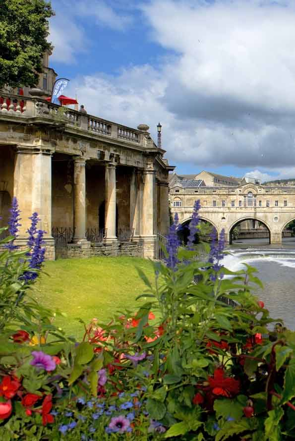 Image of Pulteney weir in Bath UK. Our chiropractic practice is based here